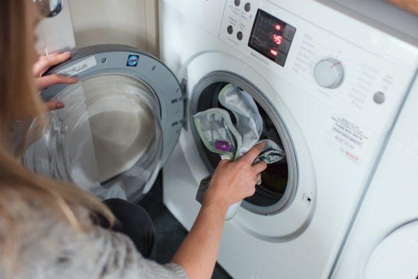 Washing the bib